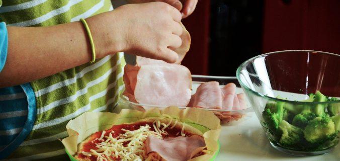 Las cinco reglas básicas para cocinar con niños y pasar tiempo de calidad con ellos - Sweetter